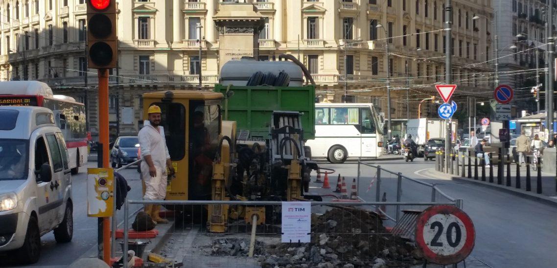 La posa di fibra ottica e la sfida di Napoli: la tecnologia no-dig non si ferma davanti al caos cittadino