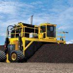 Rivoltatore di Compost Vermeer CT820 in azione